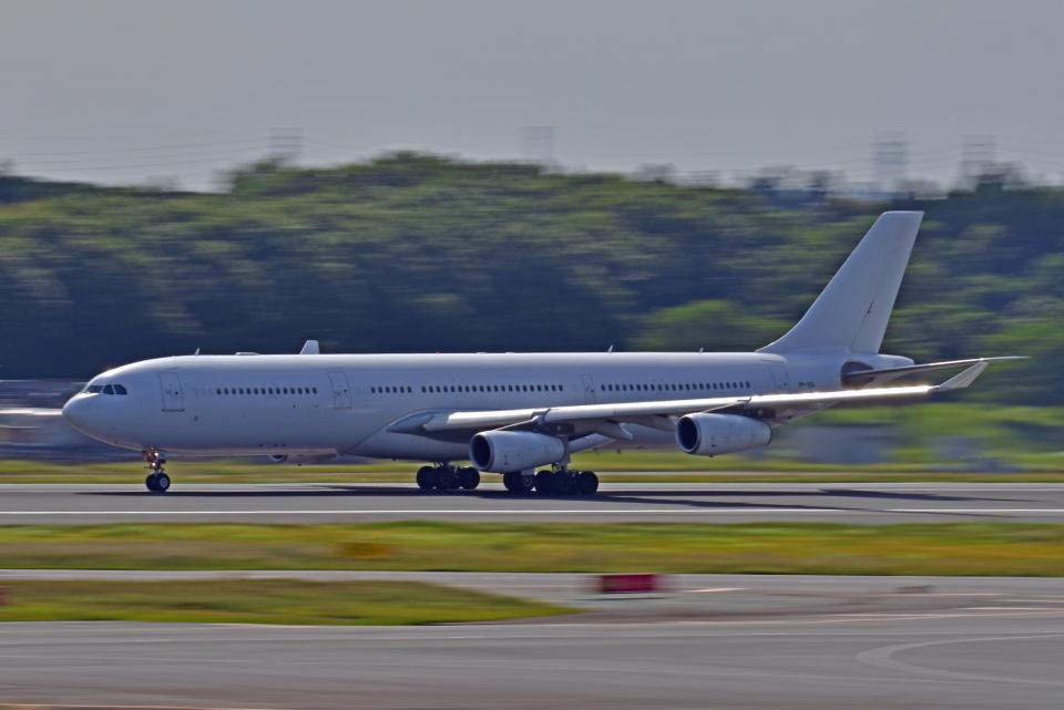 Souma2005さんのハイ・フライ・マルタ Airbus A340-300 (9H-SOL) 航空フォト