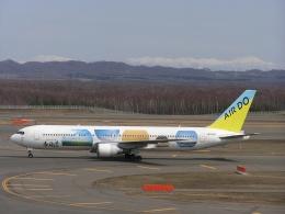 AIR DO Boeing 767-300 (JA01HD)  航空フォト   by hachiさん  撮影2004年04月11日%s