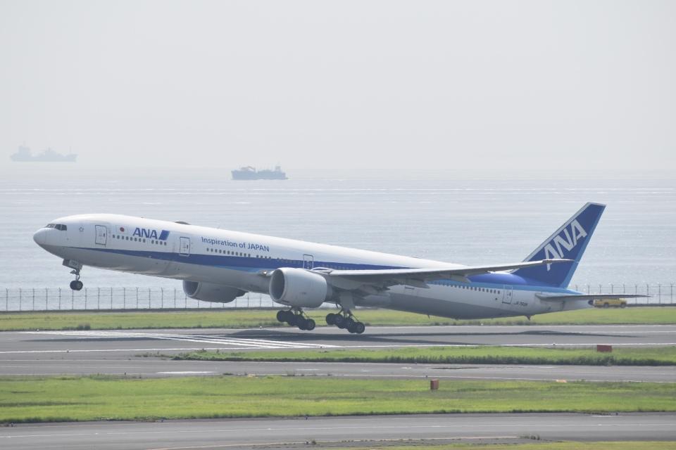 PIRORINGさんの全日空 Boeing 777-300 (JA783A) 航空フォト