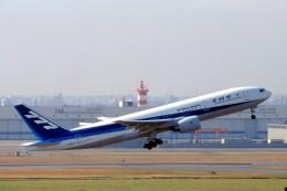 LEVEL789さんが、羽田空港で撮影した全日空 777-281の航空フォト(飛行機 写真・画像)
