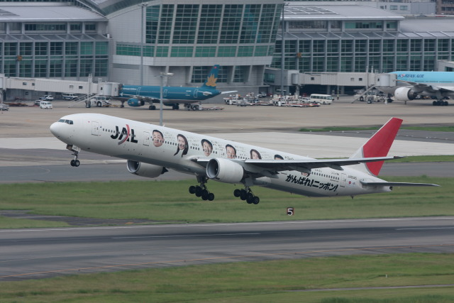kengo.k@RJFTさんが、福岡空港で撮影した日本航空 777-346の航空フォト(飛行機 写真・画像)