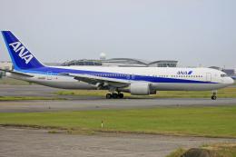 tsubameさんが、福岡空港で撮影した全日空 767-381の航空フォト(飛行機 写真・画像)