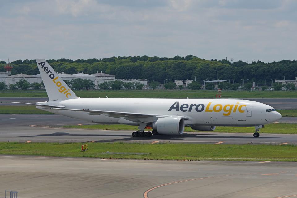 ちゃぽんさんのアエロ・ロジック Boeing 777-200 (D-AALJ) 航空フォト