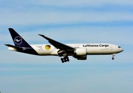 アルビレオさんが、成田国際空港で撮影したルフトハンザ・カーゴ 777-Fの航空フォト(飛行機 写真・画像)