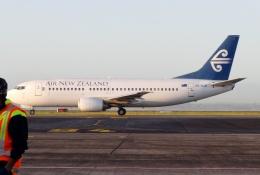 TA27さんが、オークランド空港で撮影したニュージーランド航空 737-33Rの航空フォト(飛行機 写真・画像)
