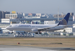 チャーリーマイクさんが、福岡空港で撮影したコンチネンタル航空 737-824の航空フォト(飛行機 写真・画像)
