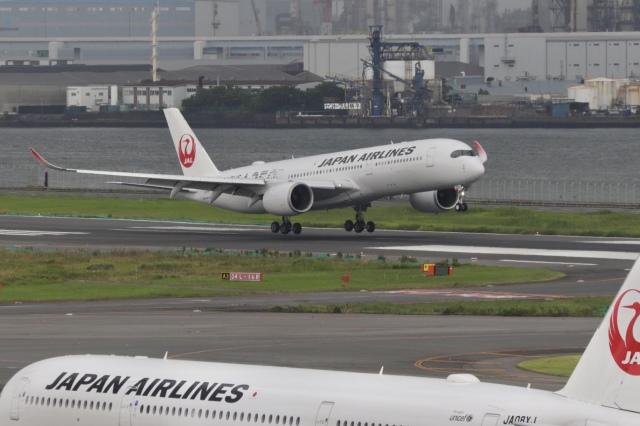 mahiちゃんさんが、羽田空港で撮影した日本航空 A350-941の航空フォト(飛行機 写真・画像)