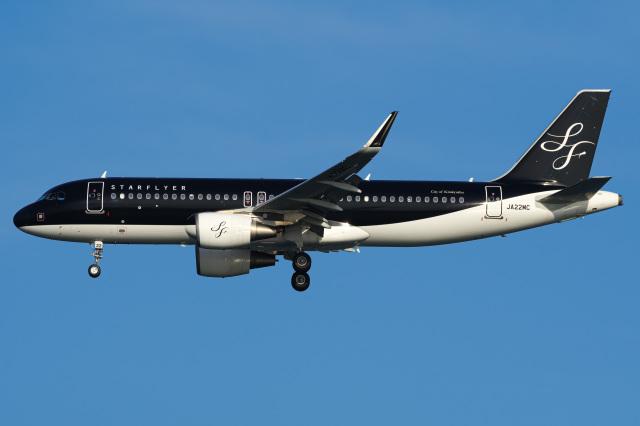 Tatsuya.Kさんが、羽田空港で撮影したスターフライヤー A320-214の航空フォト(飛行機 写真・画像)
