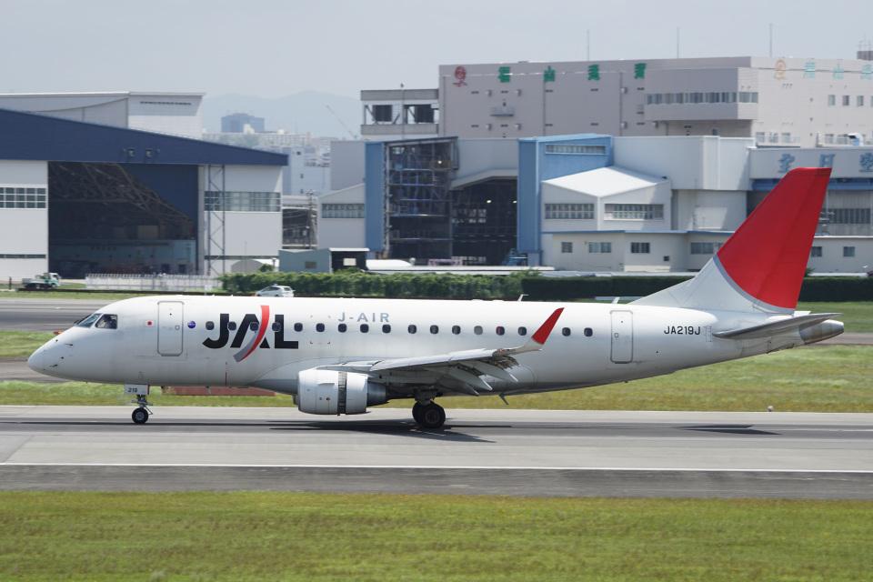 神宮寺ももさんのジェイエア Embraer 170 (JA219J) 航空フォト
