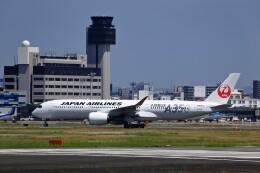 T.Sazenさんが、伊丹空港で撮影した日本航空 A350-941の航空フォト(飛行機 写真・画像)