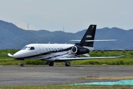 Gambardierさんが、岡南飛行場で撮影したグラフィック Citation Latitude(680A)の航空フォト(飛行機 写真・画像)
