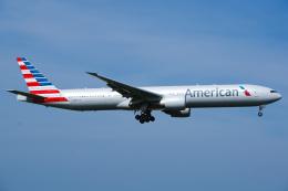 Tatsuya.Kさんが、成田国際空港で撮影したアメリカン航空 777-323/ERの航空フォト(飛行機 写真・画像)