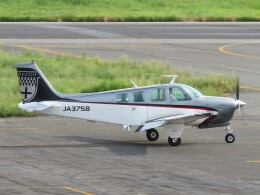 F.YUKIHIDEさんが、岡南飛行場で撮影した日本個人所有 A36 Bonanza 36の航空フォト(飛行機 写真・画像)