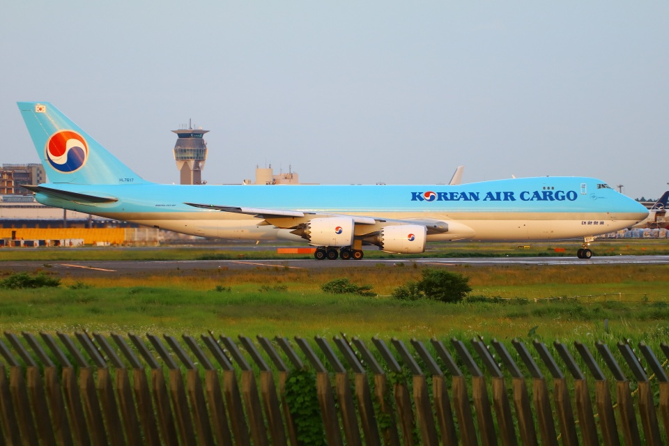 Tomo_mczさんの大韓航空 Boeing 747-8 (HL7617) 航空フォト