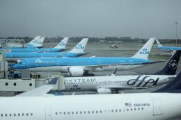 yabyanさんが、アムステルダム・スキポール国際空港で撮影したKLMオランダ航空 787-9の航空フォト(飛行機 写真・画像)