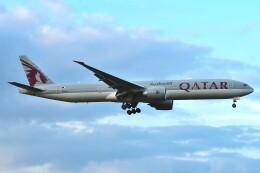 harahara555さんが、成田国際空港で撮影したカタール航空 777-3DZ/ERの航空フォト(飛行機 写真・画像)