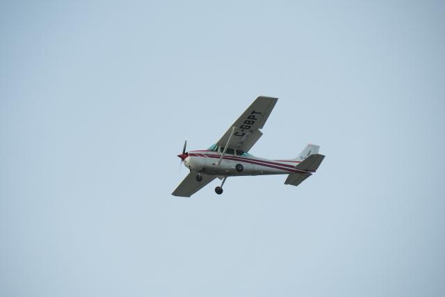 thomasYVRさんが、バンクーバー国際空港で撮影したStratford Air Services 172N Skyhawk 100 IIの航空フォト(飛行機 写真・画像)