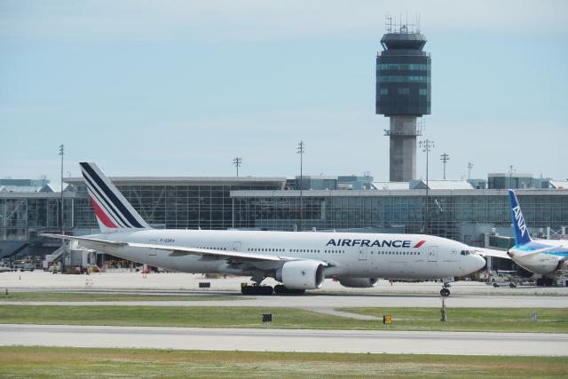 thomasYVRさんが、バンクーバー国際空港で撮影したエールフランス航空 777-228/ERの航空フォト(飛行機 写真・画像)