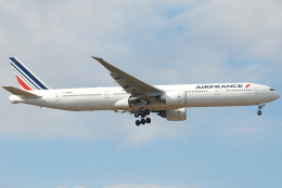 jun☆さんが、成田国際空港で撮影したエールフランス航空 777-328/ERの航空フォト(飛行機 写真・画像)