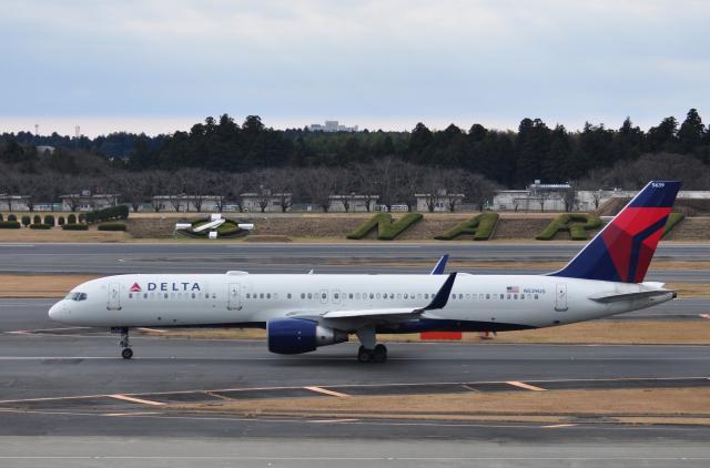 チャーリーマイクさんが、成田国際空港で撮影したノースウエスト航空 757-251の航空フォト(飛行機 写真・画像)