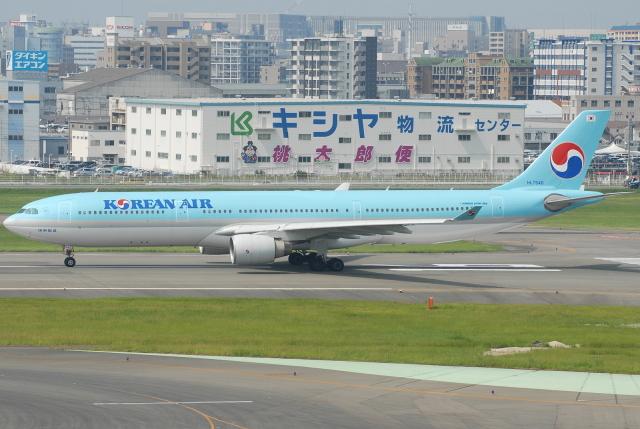 jun☆さんが、福岡空港で撮影した大韓航空 A330-322の航空フォト(飛行機 写真・画像)