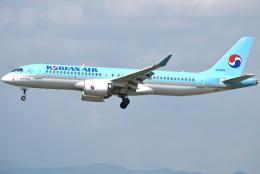 jun☆さんが、福岡空港で撮影した大韓航空 A220-300 (BD-500-1A11)の航空フォト(飛行機 写真・画像)