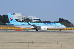 ポン太さんが、成田国際空港で撮影した大韓航空 A220-300 (BD-500-1A11)の航空フォト(飛行機 写真・画像)