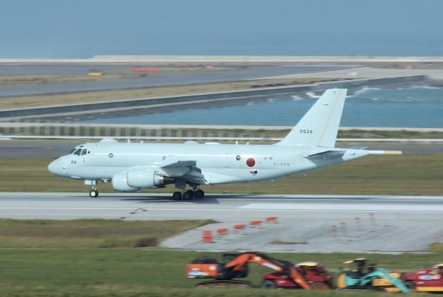 OKAの飛行機好きさんが、那覇空港で撮影した海上自衛隊 P-1の航空フォト(飛行機 写真・画像)