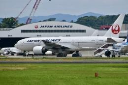東亜国内航空さんが、伊丹空港で撮影した日本航空 777-289の航空フォト(飛行機 写真・画像)