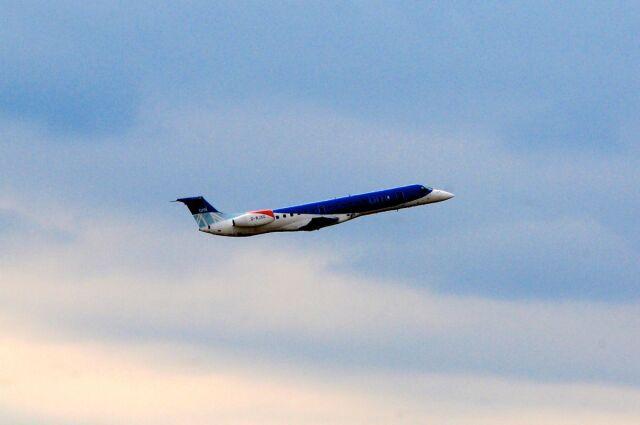 まいけるさんが、ミュンヘン・フランツヨーゼフシュトラウス空港で撮影したBMIリージョナル ERJ-145EPの航空フォト(飛行機 写真・画像)