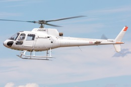 T spotterさんが、名古屋飛行場で撮影した日本個人所有 AS350B Ecureuilの航空フォト(飛行機 写真・画像)