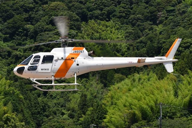 ブルーさんさんが、静岡ヘリポートで撮影した東邦航空 AS350B2 Ecureuilの航空フォト(飛行機 写真・画像)