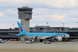 TA27さんが、ワシントン・ダレス国際空港で撮影した大韓航空 777-3B5/ERの航空フォト(飛行機 写真・画像)