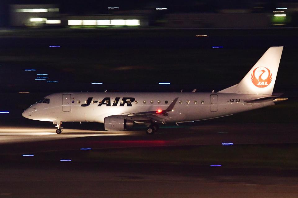 TOPAZ102さんのジェイエア Embraer 170 (JA213J) 航空フォト
