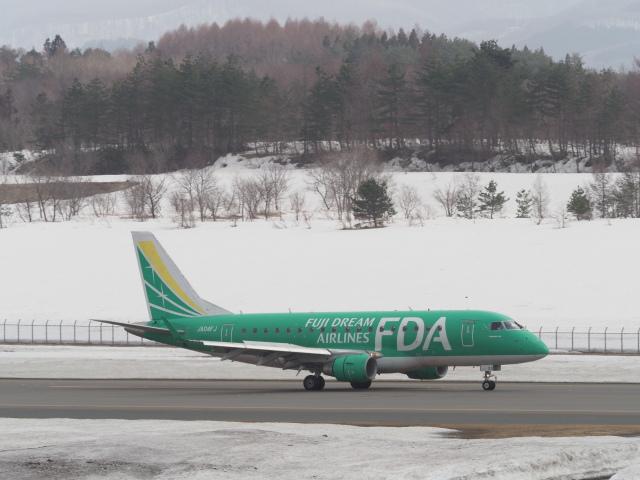 ガスパールさんが、青森空港で撮影したフジドリームエアラインズ ERJ-170-100 SU (ERJ-170SU)の航空フォト(飛行機 写真・画像)