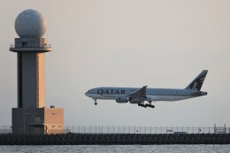 JUTENさんが、中部国際空港で撮影したカタール航空カーゴ 777-Fの航空フォト(飛行機 写真・画像)