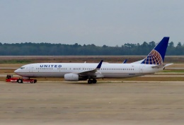 TA27さんが、ジョージ・ブッシュ・インターコンチネンタル空港で撮影したユナイテッド航空 737-924の航空フォト(飛行機 写真・画像)