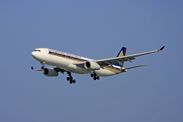 tsubameさんが、福岡空港で撮影したシンガポール航空 A330-343Xの航空フォト(飛行機 写真・画像)