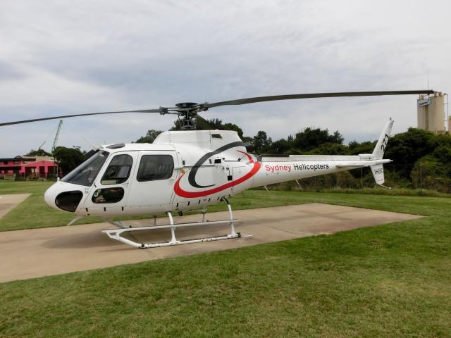 TA27さんが、Parramatta Heliportで撮影したSydney Helicopters AS350B2 Ecureuilの航空フォト(飛行機 写真・画像)