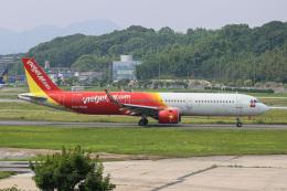 mototripさんが、福岡空港で撮影したベトジェットエア A321-271Nの航空フォト(飛行機 写真・画像)