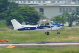 ハミングバードさんが、名古屋飛行場で撮影した日本個人所有 172Mの航空フォト(飛行機 写真・画像)