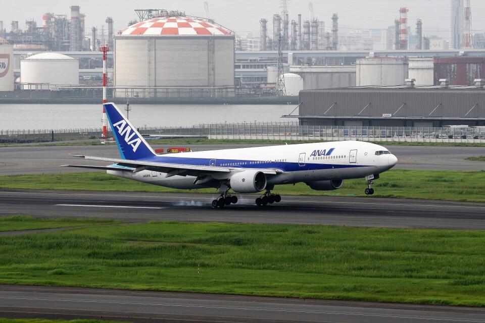 もぐ3さんの全日空 Boeing 777-200 (JA8968) 航空フォト