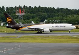 NINEJETSさんが、成田国際空港で撮影したUPS航空 767-34AF/ERの航空フォト(飛行機 写真・画像)