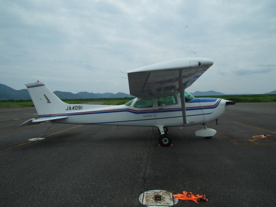 ヒコーキグモさんの日本個人所有 Cessna 172 (JA4091) 航空フォト