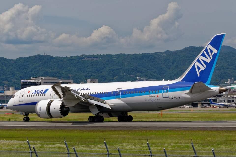 平凡なおっちゃんさんの全日空 Boeing 787-8 Dreamliner (JA874A) 航空フォト
