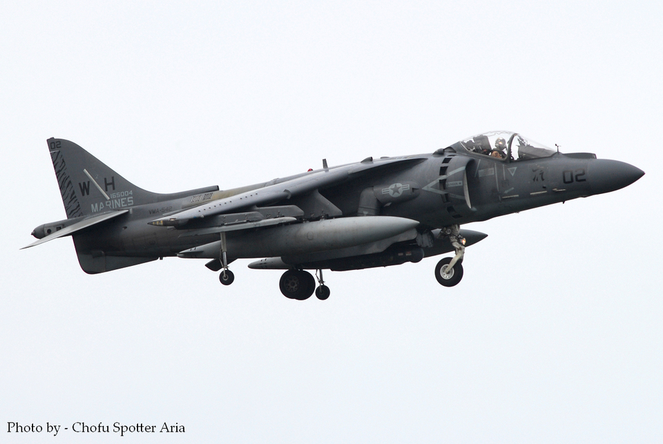 Chofu Spotter Ariaさんのアメリカ海兵隊 McDonnell Douglas AV-8B Harrier II (165004) 航空フォト