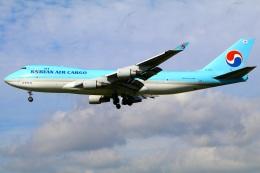 Tomo_mczさんが、成田国際空港で撮影した大韓航空 747-4B5F/ER/SCDの航空フォト(飛行機 写真・画像)