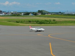 Smyth Newmanさんが、札幌飛行場で撮影した日本個人所有 58 Baronの航空フォト(飛行機 写真・画像)