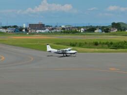 Smyth Newmanさんが、札幌飛行場で撮影した共立航空撮影 208 Caravan Iの航空フォト(飛行機 写真・画像)