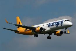 採れたてほしいもさんが、ロンドン・ガトウィック空港で撮影したオーリニー・エア・サービス ERJ-190-200 (ERJ-195STD)の航空フォト(飛行機 写真・画像)